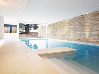 Villa T // Schweiz nahe Zürich Förstl Naturstein Moderne Pools