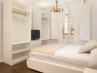 Piso en el Borne - clásico y pastel Amplix Group Dormitorios de estilo clásico