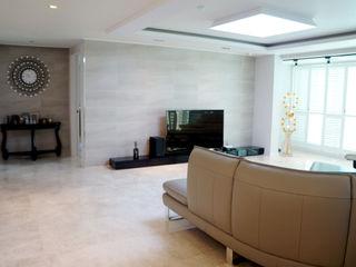 신개념 대리석마루 뉴이지스톤 델리카토크림을 이용한 서울 동부이촌동 삼성리버스위트 아파트 리모델링 (주)이지테크(EASYTECH Inc.) 모던스타일 거실