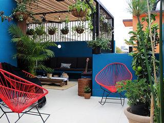 NINA SAND Modern balcony, veranda & terrace