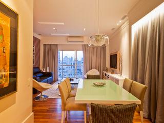 Apartamento nos Jardins - São Paulo Enzo Sobocinski Arquitetura & Interiores Salas de jantar modernas Derivados de madeira Roxo/violeta