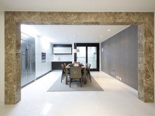 신개념 대리석마루 뉴이지스톤을 이용한 서울 동부이촌동 아파트 리모델링 (주)이지테크(EASYTECH Inc.) 모던스타일 주방