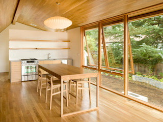 Laurelhurst Carriage House PATH Architecture Modern dining room