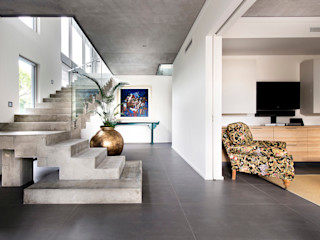 Designer Costal Home D-Max Photography Industrial style corridor, hallway and stairs