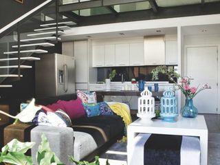 Loft para single Disak Studio Salones de estilo moderno