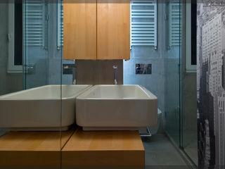 Estudio TYL Modern Bathroom