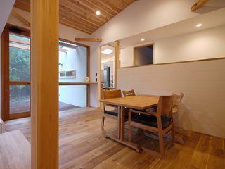 森を望む家 みゆう設計室 北欧デザインの ダイニング