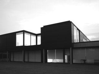 aHa-architecten gcv Minimalist balcony, veranda & terrace