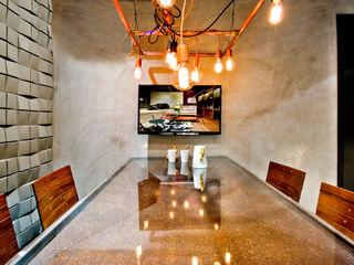 SAINZ arquitetura Phòng học/văn phòng phong cách công nghiệp Grey