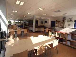 Architectenbureau Van Hunnik, Lambrechts en Overduin 學校