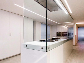 Chiralt Arquitectos KitchenBench tops
