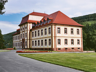 Barockschloss kernsaniert und für den Innenausbau vorbereitet Immoservice Knopf Ausgefallene Häuser