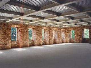 Barockschloss kernsaniert und für den Innenausbau vorbereitet Immoservice Knopf Ausgefallene Wohnzimmer