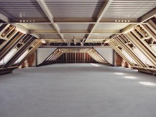 Barockschloss kernsaniert und für den Innenausbau vorbereitet Immoservice Knopf Ausgefallene Wände & Böden