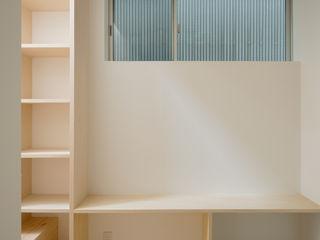 井戸健治建築研究所 / Ido, Kenji Architectural Studio Skandinavischer Flur, Diele & Treppenhaus