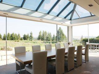 KELLER GLASSHOUSE® in minimalistischem Design KELLER AG Minimalistischer Wintergarten