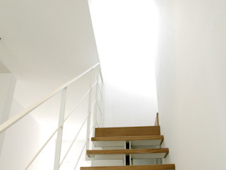 Giandomenico Florio Architetto Minimalist corridor, hallway & stairs