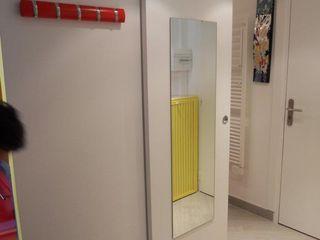 Mini alloggio a Nizza UAU un'architettura unica Ingresso, Corridoio & Scale in stile moderno