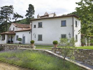 Casale sulle colline di Firenze Antonio Lionetti Home Design GiardinoPiante & Fiori