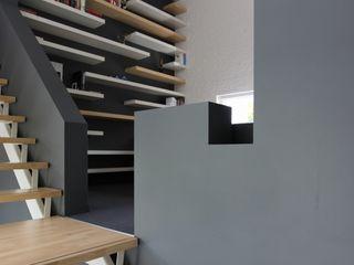 Leonardus interieurarchitect Eclectic style study/office