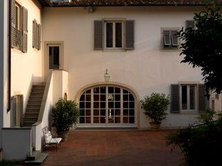 Villa sulla collina di Fiesole Antonio Lionetti Home Design Finestre & PorteFinestre