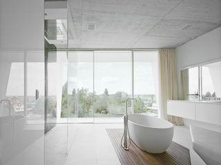project a01 architects, ZT Gmbh Modern bathroom