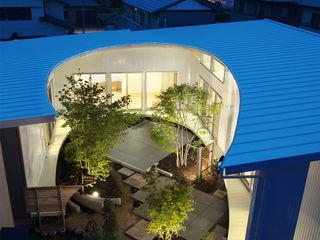 馬蹄屋根の家 ヒロノアソシエイツ一級建築士事務所 モダンな 家