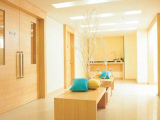 경희 키즈 한의원 Kid's & Junior Oriental Medicine Clinic 참공간 디자인 연구소 트로피컬 스타일 병원