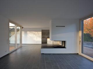 (pfitzner moorkens) architekten PartGmbB Soggiorno moderno