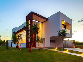 Residência Unifamiliar Condomínio Alphaville Londrina 2 Santos Arquitetura Modern houses Bricks