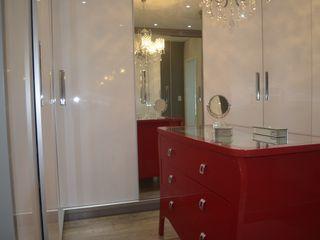 Ésse Arquitetura e Interiores Phòng thay đồ phong cách kinh điển