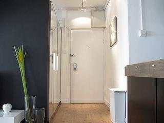OneByNine Minimalist corridor, hallway & stairs