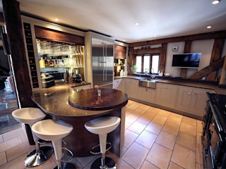 Fabulous barn kitchen in Hertfordshire Jane Cheel Furniture ltd Dapur Modern