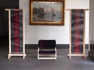 MIWAKU & GENWAKU for SHINDO tona BY RIKA KAWATO / tonaデザイン事務所 Living roomStools & chairs
