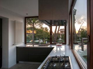 medeaa Marchetti e De Luca Architetti Associati Modern Kitchen