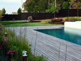 Jardín Contemporaneo La Paisajista - Jardines con Alma Piscinas de estilo moderno