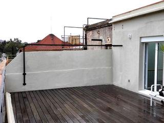PÉRGOLA PARA TERRAZA EN PISO DE BARCELONA mobla manufactured architecture scp
