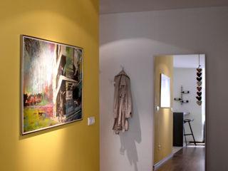 Mieszkanie 64m2 M+ DESIGN Marta Dolnicka Marchaj Minimalistyczny korytarz, przedpokój i schody