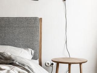 Loft Kolasiński Dormitorios de estilo escandinavo Lino Gris
