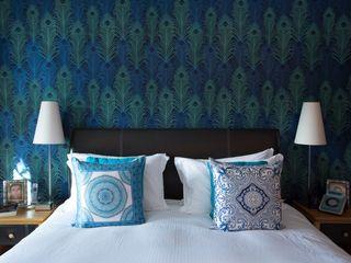Peacock Wallpaper Feature Wall in White Bedroom Design by Deborah Ltd Quartos modernos