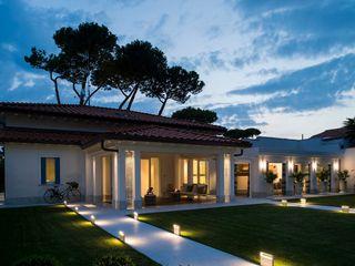 VILLA FORTE dei MARMI -LU- ITALY Studio Architettura Carlo Ceresoli Case eclettiche