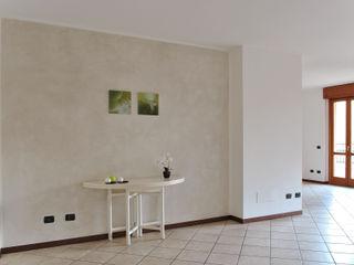 """Home Staging """"minimal"""" per un quadrilocale a Vedano al Lambro (MB) Valtorta srl"""