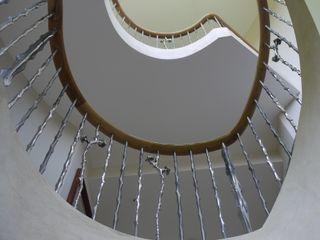 Newbury Zigzag Design Studio (Sculptural Structures) Classic style corridor, hallway and stairs