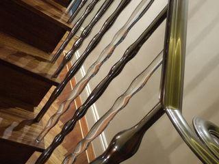 'Pod' hand cast aluminium and clear acrylic sculptural balustrade Zigzag Design Studio (Sculptural Structures) Modern corridor, hallway & stairs