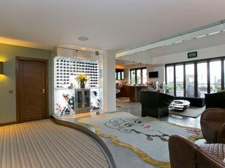 The Highway, Wapping, London, E1W Temza design and build Pasillos, vestíbulos y escaleras de estilo moderno