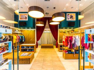 Loja Rouparia Mauá Shopping Enzo Sobocinski Arquitetura & Interiores Escritórios modernos Derivados de madeira Multi colorido