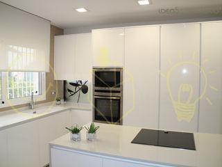 Cocina en Corbera. Ideas Interiorismo Exclusivo, SLU Cocinas mediterráneas
