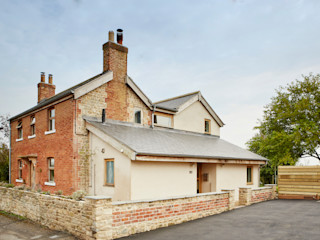 Wren Cottage Hart Design and Construction Country house