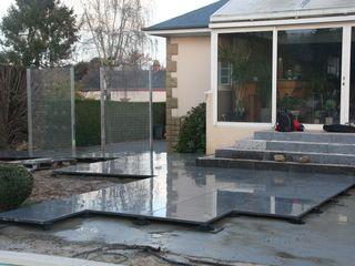 Aménagement d'un tour de piscine esprit contemporain EURL OLIVIER DUBOIS