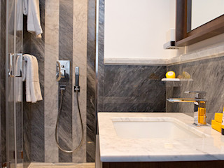 MOB ARCHITECTS Classic style bathroom
